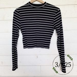 H&M Divided Long Sleeve Striped Crop Top